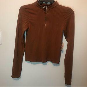 Love charm Brown sweater petite